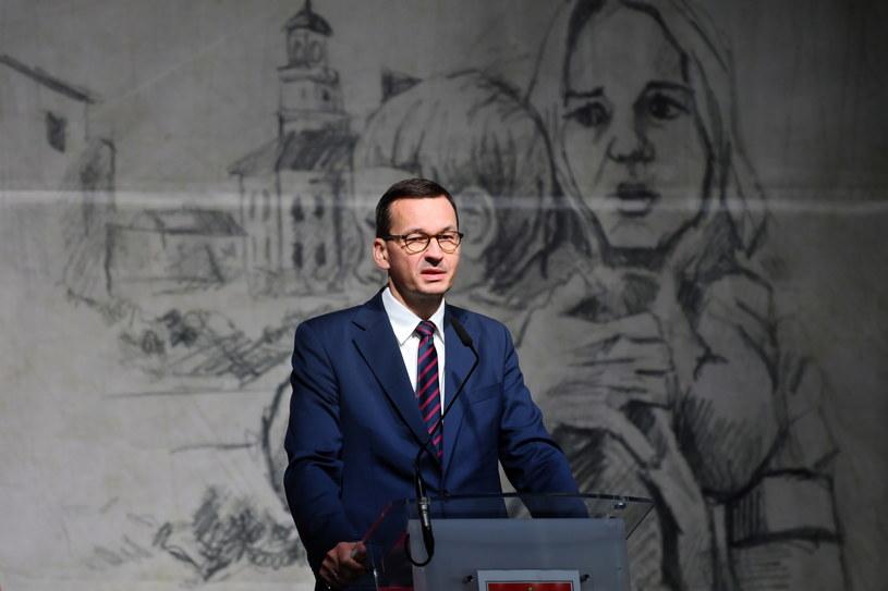 Premier Mateusz Morawiecki przemawia podczas uroczystych obchodów 81. rocznicy wybuchu II Wojny Światowej w Wieluniu /Grzegorz Michałowski   /PAP