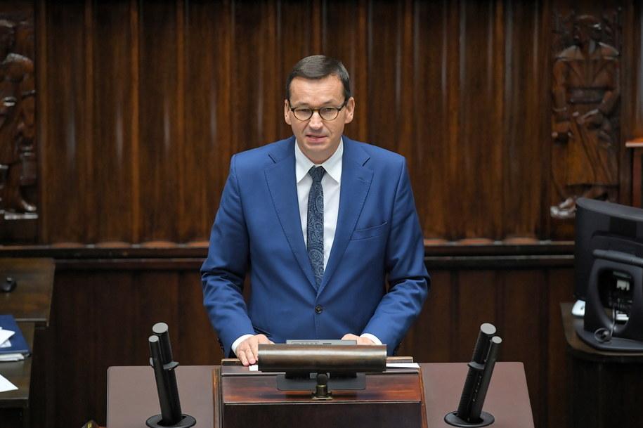 Premier Mateusz Morawiecki przemawia w Sejmie / Radek Pietruszka   /PAP