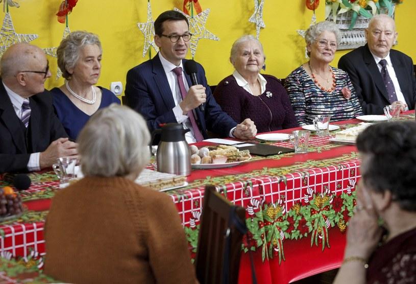 Premier Mateusz Morawiecki spotkał się w Ostrołęce z seniorami /PAP