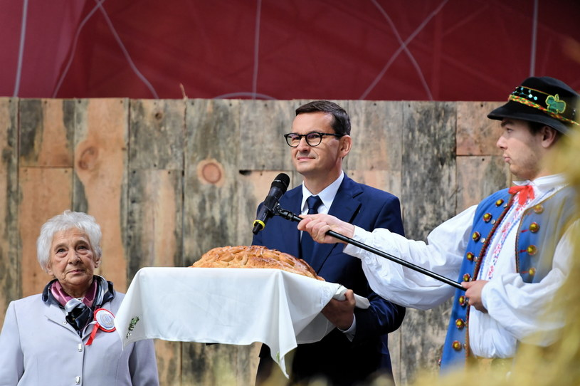 Premier Mateusz Morawiecki w Bobolicach / PAP/Marcin Bielecki    /PAP