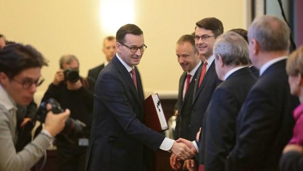 Premier Mateusz Morawiecki w czasie posiedzenia rządu / Leszek Szymański    /PAP