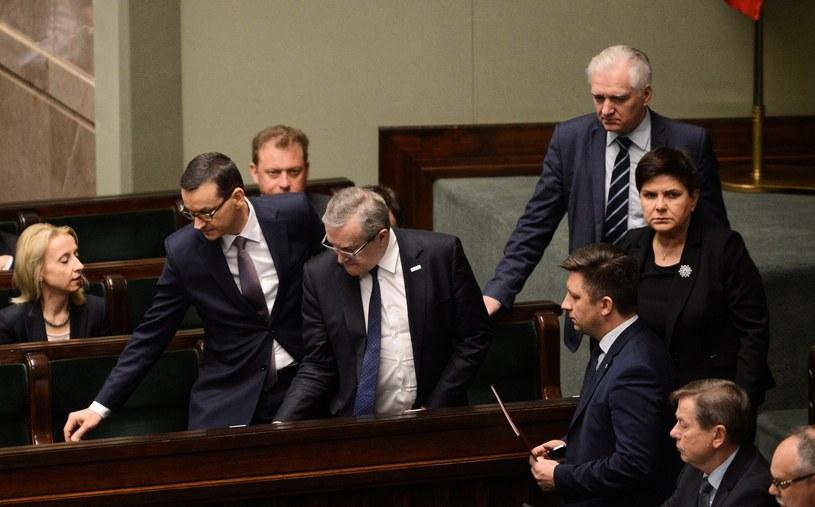 Premier Mateusz Morawiecki w ławach rządowych w Sejmie / Jakub Kamiński    /PAP