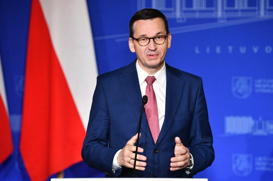 Premier Mateusz Morawiecki w trakcie konferencji prasowej / Radek Pietruszka   /PAP