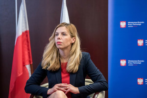 Premier Mateusz Morawiecki zdymisjonował wiceminister rozwoju Annę Kornecką