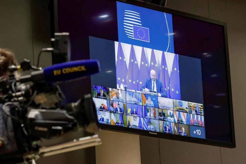 Premier Morawiecki na szczycie premier na szczycie miał opowiedzieć się m.in. za sankcjami wobec zaangażowanych w tłumienie protestów na Białorusi /OLIVIER HOSLET/AFP/East News /East News