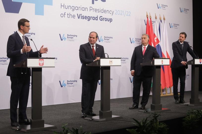 """Premier Morawiecki po raz kolejny zapewnił, że """"polexit"""" to kłamstwo /Albert Zawada /PAP"""