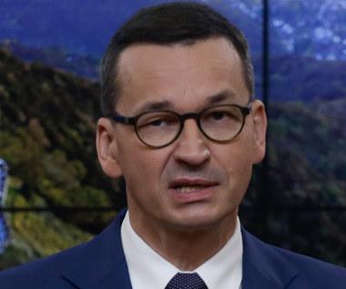 """Premier Morawiecki """"uśmiecha się"""" do graczy i odnosi się do Cyberpunk 2077"""