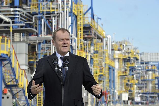 Premier na konferencji prasowej w gdańskiej rafinerii Grupy Lotos, fot. A. Warżawa /PAP