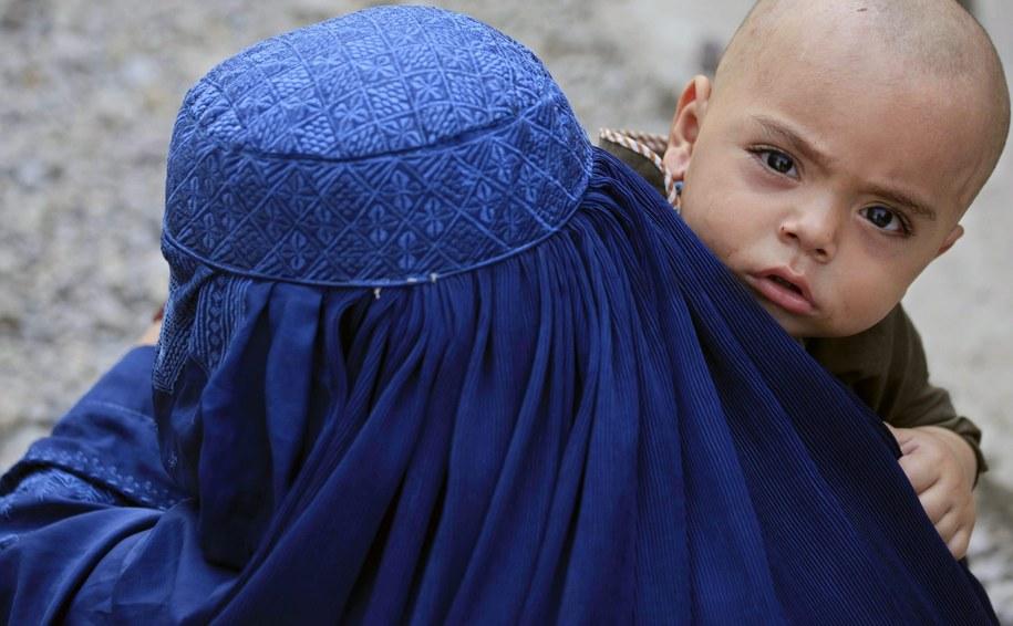 Premier Norwegii Erna Solberg nie wyobraża sobie, żeby zatrudnić kobietę, która nosi hidżab albo burkę /BILAWAL ARBAB /PAP/EPA