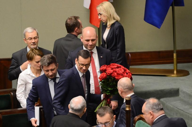 Premier po głosowaniu ws. wotum zaufania dla rządu / Jakub Kamiński    /PAP