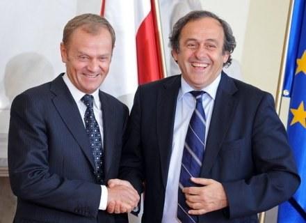 Premier polskiego rządu Donald Tusk i szef UEFA Michel Platini /AFP
