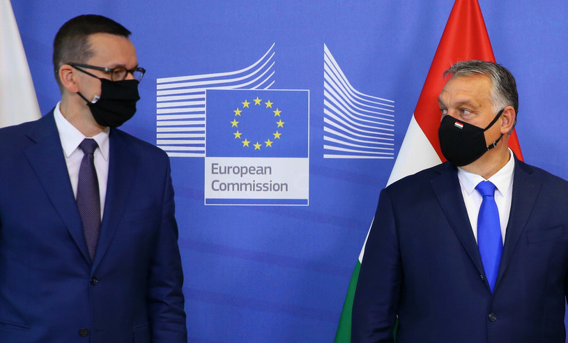 Premier polskiego rządu Mateusz Morawiecki i węgierski premier Wiktor Orban /Isopix /East News