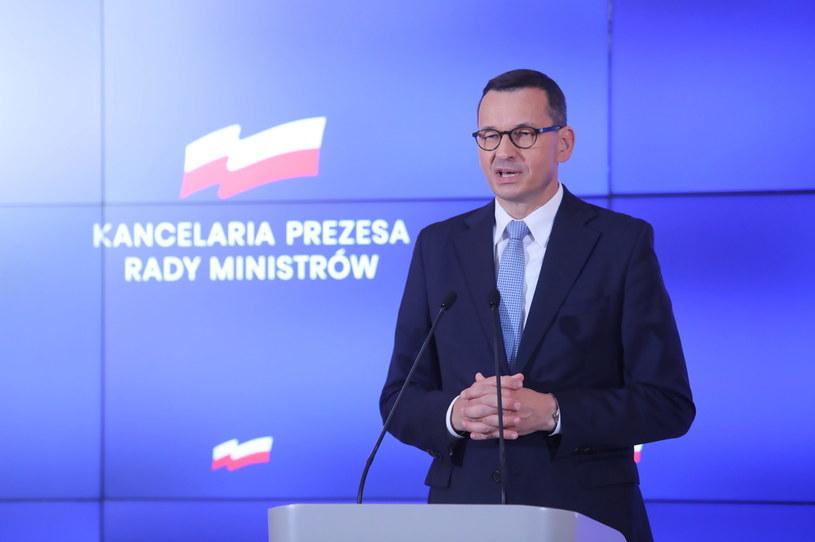 Premier RP Mateusz Morawiecki podczas konferencji prasowej /Wojciech Olkuśnik /PAP