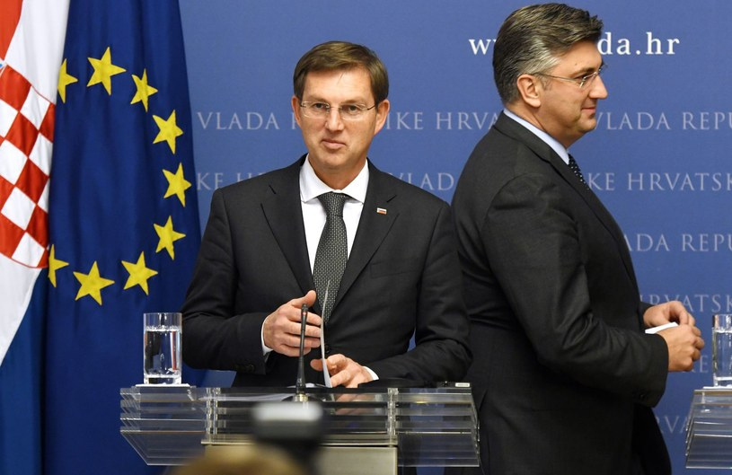 Premier Słowenii Miro Cerar i premier Chorwacji Andrej Plenković /AFP