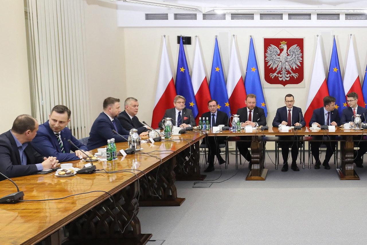 Premier spotkał się z przedstawicielami opozycji. Temat: koronawirus