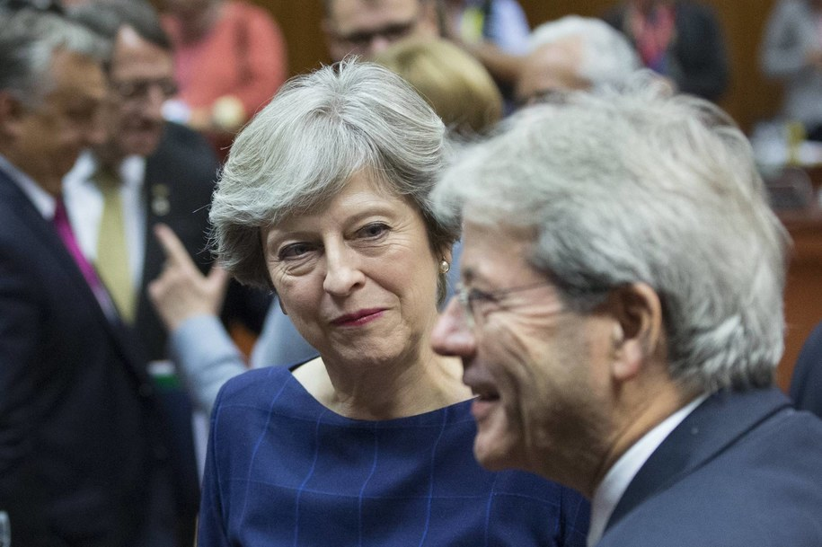 Premier Theresa May z premier Włoch Paolo Gentilonim /OLIVER HOSLET /PAP/EPA