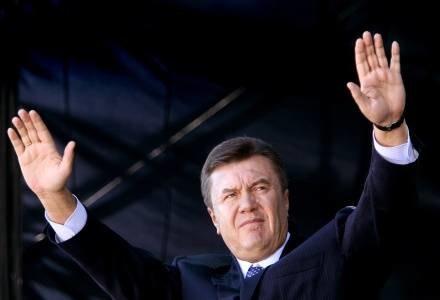 Premier Ukrainy nie zdecydował jeszcze, czy będzie startował w przyszłych wyborach /AFP
