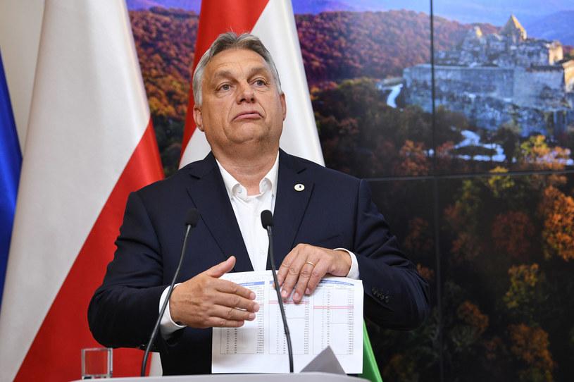 Premier Węgier Viktor Orban podczas konferencji prasowej z premierem Mateuszem Morawieckim w Brukseli / Radek Pietruszka   /PAP