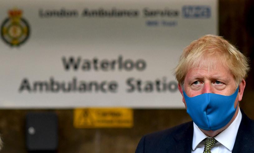 Premier Wielkiej Brytanii Boris Johnson w maseczce /BEN STANSALL / AFP / POOL /AFP