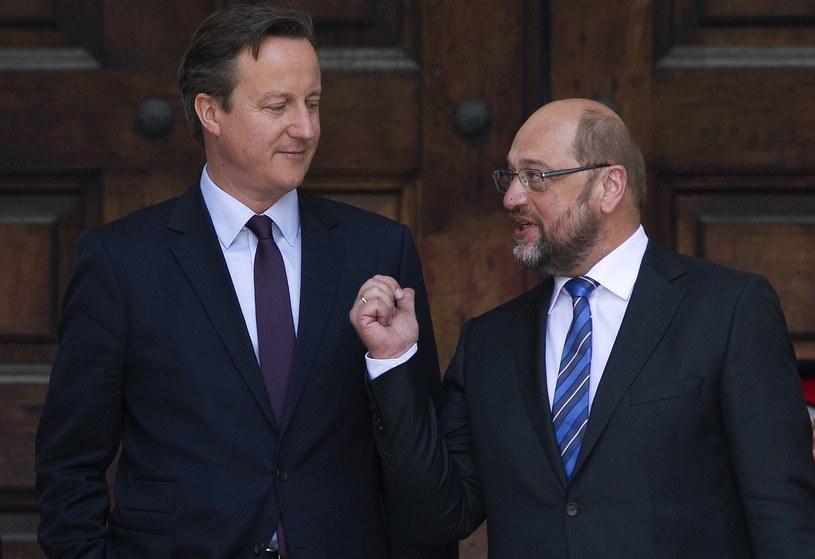 Premier Wielkiej Brytanii David Cameron i przewodniczący Parlamentu Europejskiego Martin Schulz /AFP