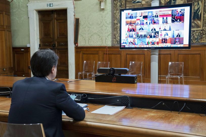 Premier Włoch podczas wideokonferencji z liderami innych państw /PAP/EPA