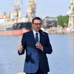 """Premier zaprasza europarlamentarzystów do Polski. """"Niech przyjadą i sami zobaczą"""""""