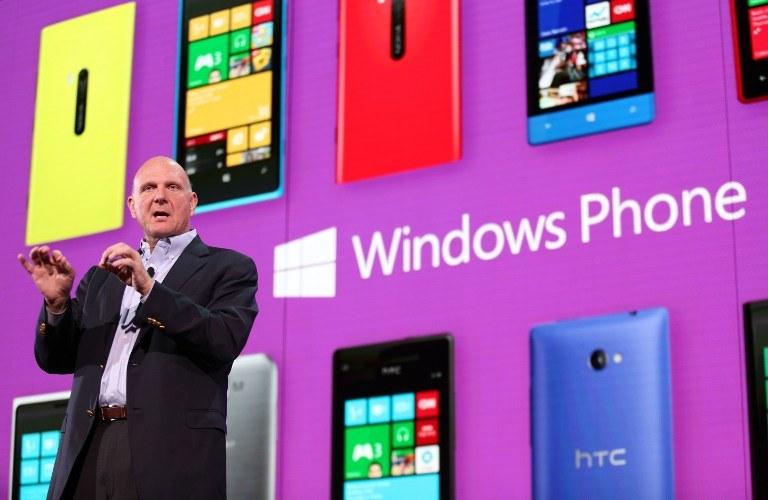 Premiera Windows Phone 8 w San Francisco - na scenie Steve Ballmer, szef Microsoft /AFP