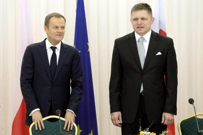 Premierzy Polski i Słowacji: Danald Tusk oraz Robert Fico /Radek Pietruszka /PAP