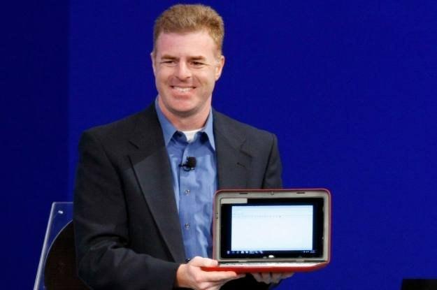 Prezentacja jednego z nowych netbooków Dell na nowym Atomie /AFP