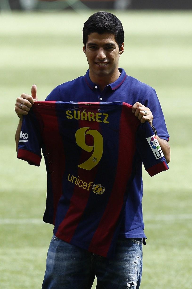 Prezentacja Luisa Suareza na Camp Nou odbyła się dopiero dzisiaj, gdy CAS złagodził karę. /AFP