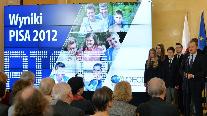 Prezentacja polskich i światowych wyników Programu Międzynarodowej Oceny Umiejętności Uczniów (PISA 2012) /Radek Pietruszka /PAP