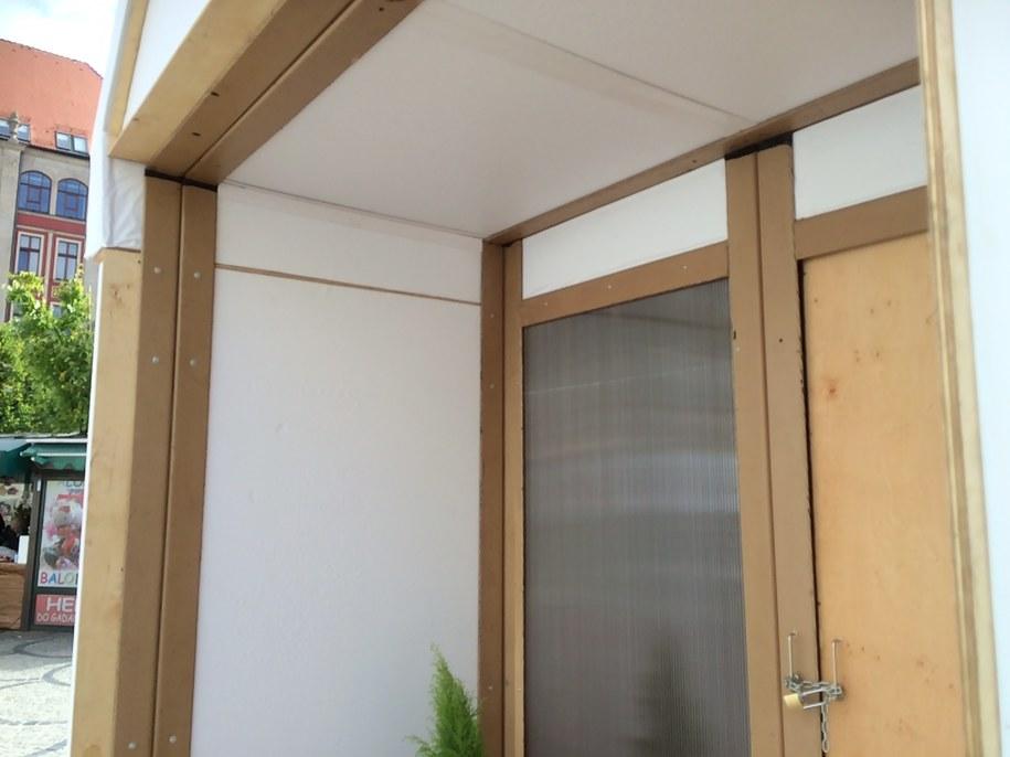 Prezentowany domek to prototyp - w przyszłości takie budynki mogą być znacznie większe /Bartłomiej Paulus /RMF FM