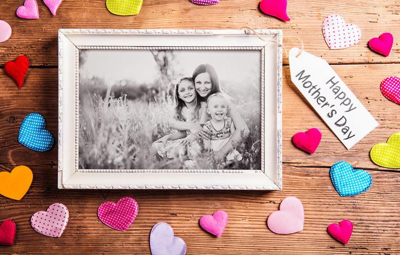 Prezenty na Dzień Matki nie muszą być kosztowne. Ważne, by wyrażały wdzięczność /123RF/PICSEL
