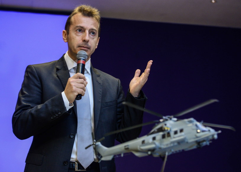 Prezes Airbus Helicopters - Guillaume Faury, podczas konferencji prasowej nt. nowego śmigłowca /Jakub Kamiński   /PAP