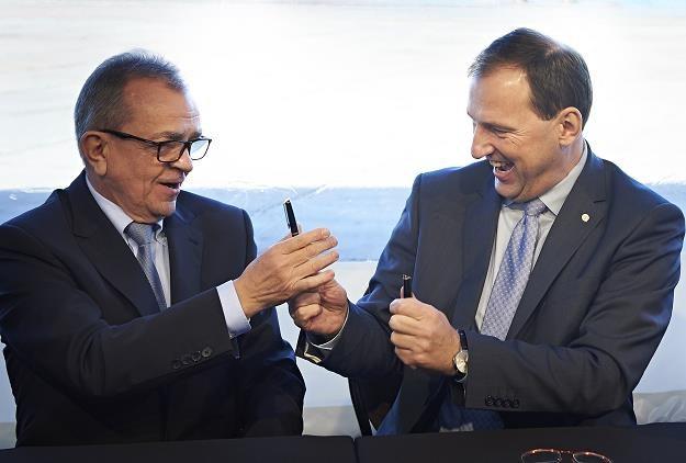 Prezes Energomontaż - Północ Włodzimierz Dyrka (L) i prezes Lotos Petrobaltic Zbigniew Paszkowicz /PAP