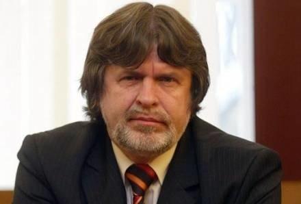 Prezes NFZ zażyczył sobie luksusowej limuzyny, fot. Piotr Gajek /Agencja SE/East News