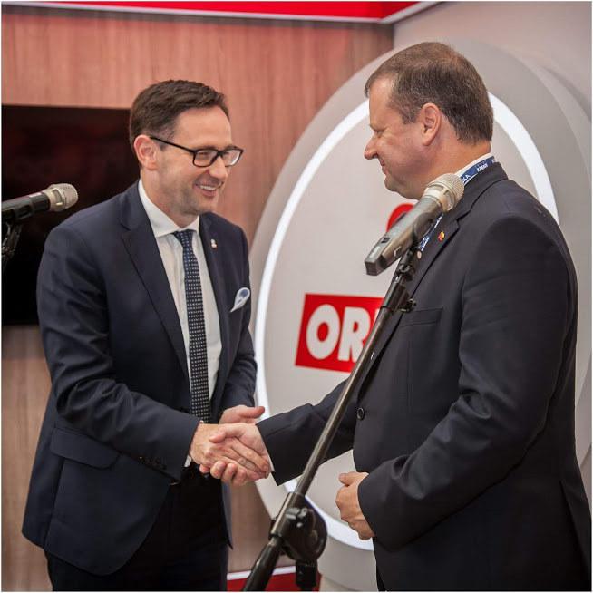 Prezes Orlenu Daniel Obajtek i premier Litwy Saulius Skvernelis /Ireneusz Rek /INTERIA.PL