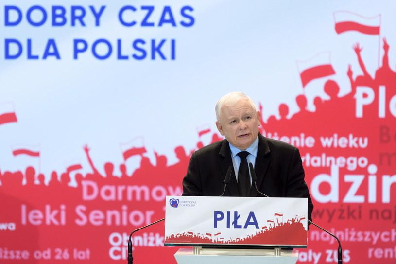 Prezes partii rządzącej Jarosław Kaczyński podczas regionalnej konwencji Prawa i Sprawiedliwości w Pile /Jakub Kaczmarczyk /PAP