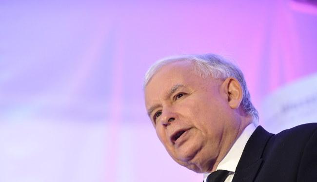 Prezes PiS Jarosław Kaczyński daje Polakom dwa wybory /Marcin Obara /PAP