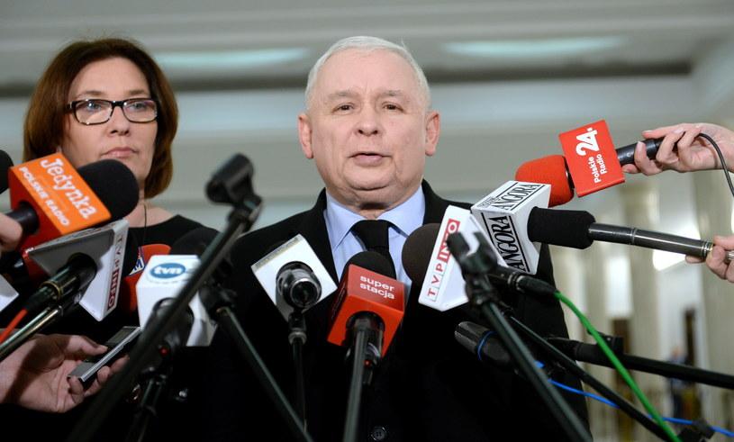 Prezes PIS Jarosław Kaczyński i  Beata Mazurek /Marcin Obara /PAP
