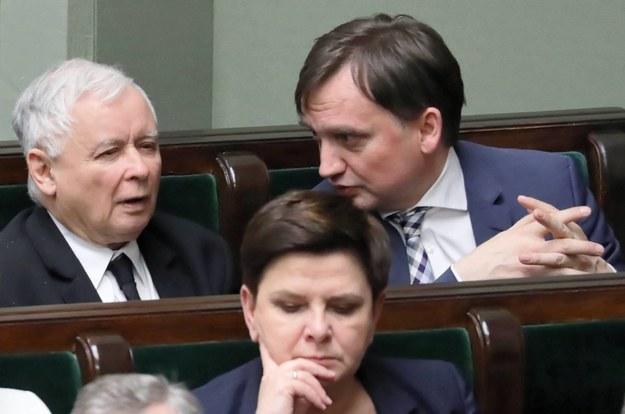 Prezes PiS Jarosław Kaczyński i minister sprawiedliwości Zbigniew Ziobro w Sejmie, kwiecień 2019 / Tomasz Gzell    /PAP