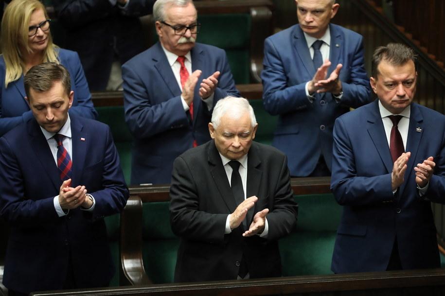 Prezes PiS Jarosław Kaczyński i politycy PiS w Sejmie /Wojciech Olkuśnik /PAP/EPA