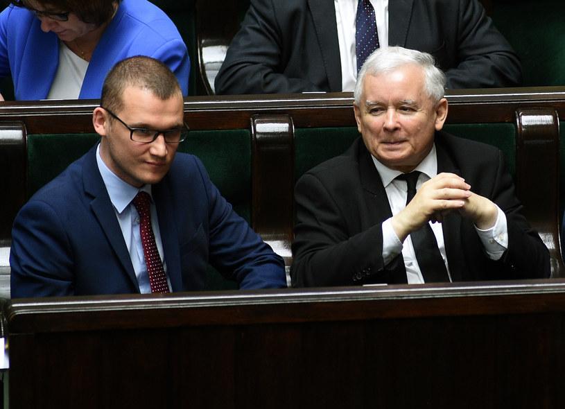 Prezes PiS Jarosław Kaczyński i poseł PiS Paweł Szefernaker /Adam Chelstowski /FORUM