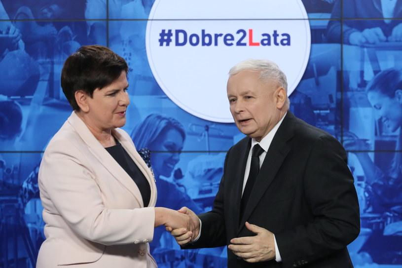 Prezes PiS Jarosław Kaczyński i premier Beata Szydło podczas wspólnej konferencji prasowej nt. dwóch lat rządów PiS /Paweł Supernak /PAP