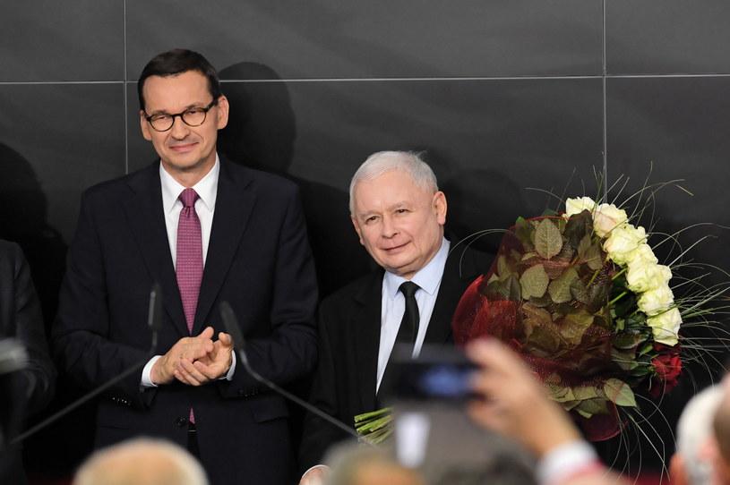 Prezes PiS Jarosław Kaczyński i premier Mateusz Morawiecki w sztabie wyborczym Prawa i Sprawiedliwości / Radek Pietruszka   /PAP