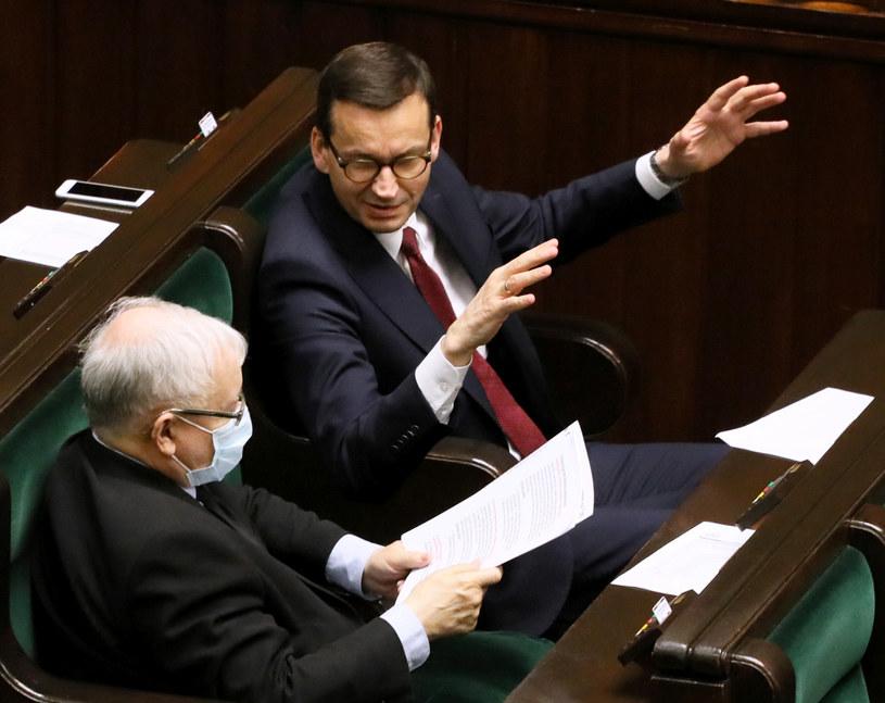 Prezes PiS Jarosław Kaczyński i premier Mateusz Morawiecki w Sejmie / Jakub Kamiński    /East News