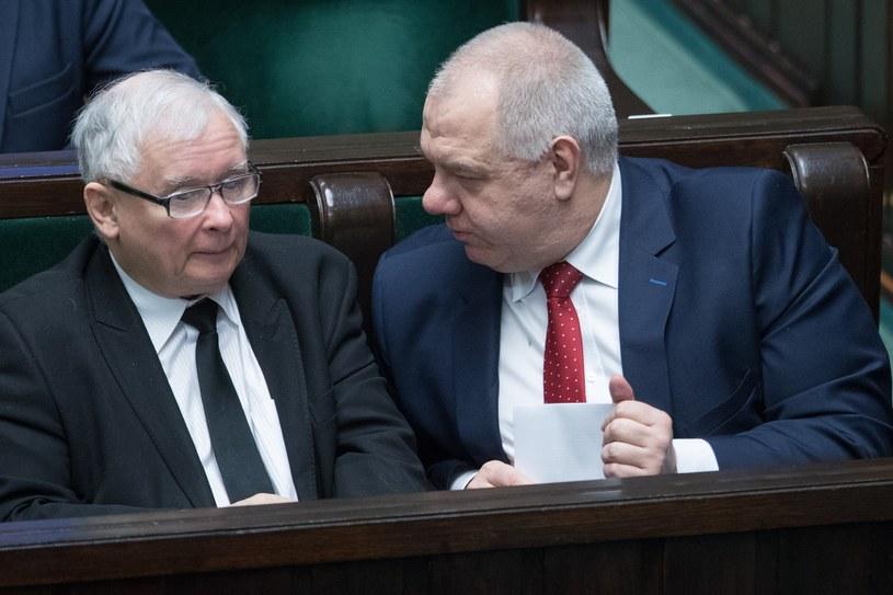 Prezes PiS Jarosław Kaczyński i szef Komitetu Stałego Rady Ministrów Jacek Sasin /Andrzej Iwańczuk /Reporter