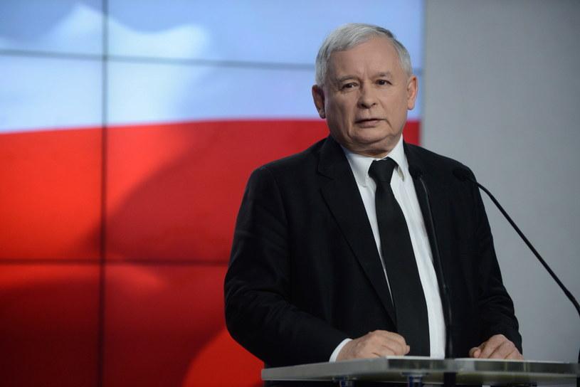 Prezes PiS Jarosław Kaczyński ma powody do radości /Radek Pietruszka /PAP