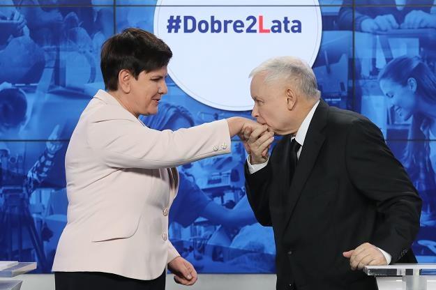 Prezes PiS Jarosław Kaczyński (P) i premier Beata Szydło (L) /PAP