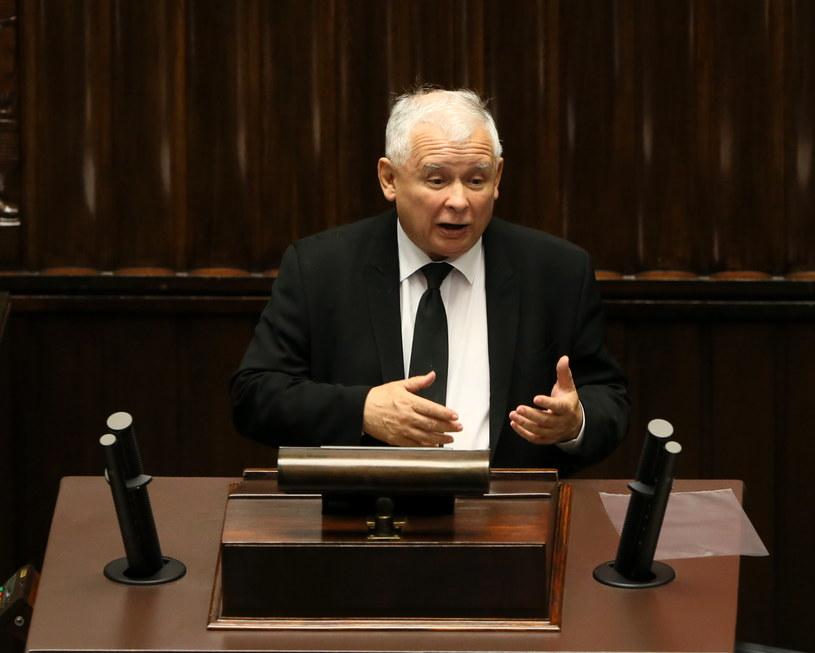 Prezes PiS Jarosław Kaczyński podczas debaty nad wnioskiem PO o odwołanie Marka Kuchcińskiego /Tomasz Gzell /PAP